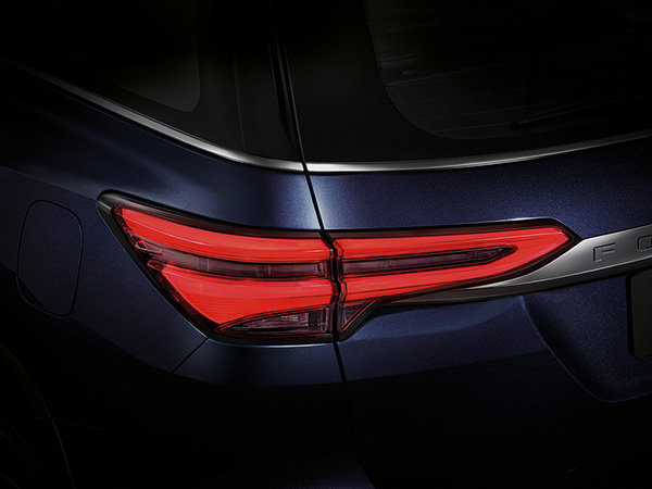 New LED Tail Lamps Design ไฟท้ายใหม่แบบ LED Light Guiding หรูหรา ลงตัวทุกมุมมอง
