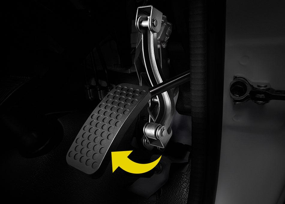 ระบบป้องกันการเหยียบคันเร่ง ล็อกคันเร่งอัตโนมัติ ป้องกันรถเคลื่อนที่ขณะที่ประตูผู้โดยสารปิดไม่สนิท