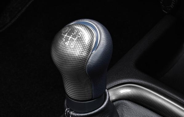 หัวเกียร์ลายสปอร์ต (เกียร์ธรรมดา 6 สปีด) / Sporty Shift Knob (6MT)